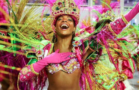 *****Ephemeride des mois de janvier, fevrier et mars 2019 **** - Page 7 Carnaval-de-rio-1